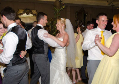 Adelaide-Wedding-Dance-couple-Peter-&-Vicky-dancing-with-bridal-party