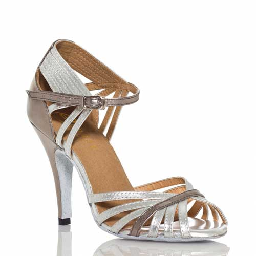Ladies silver-Wedding-Dance-Shoes-at Adelaide Wedding Dance